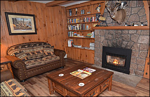 clam-lake-lodge-interior